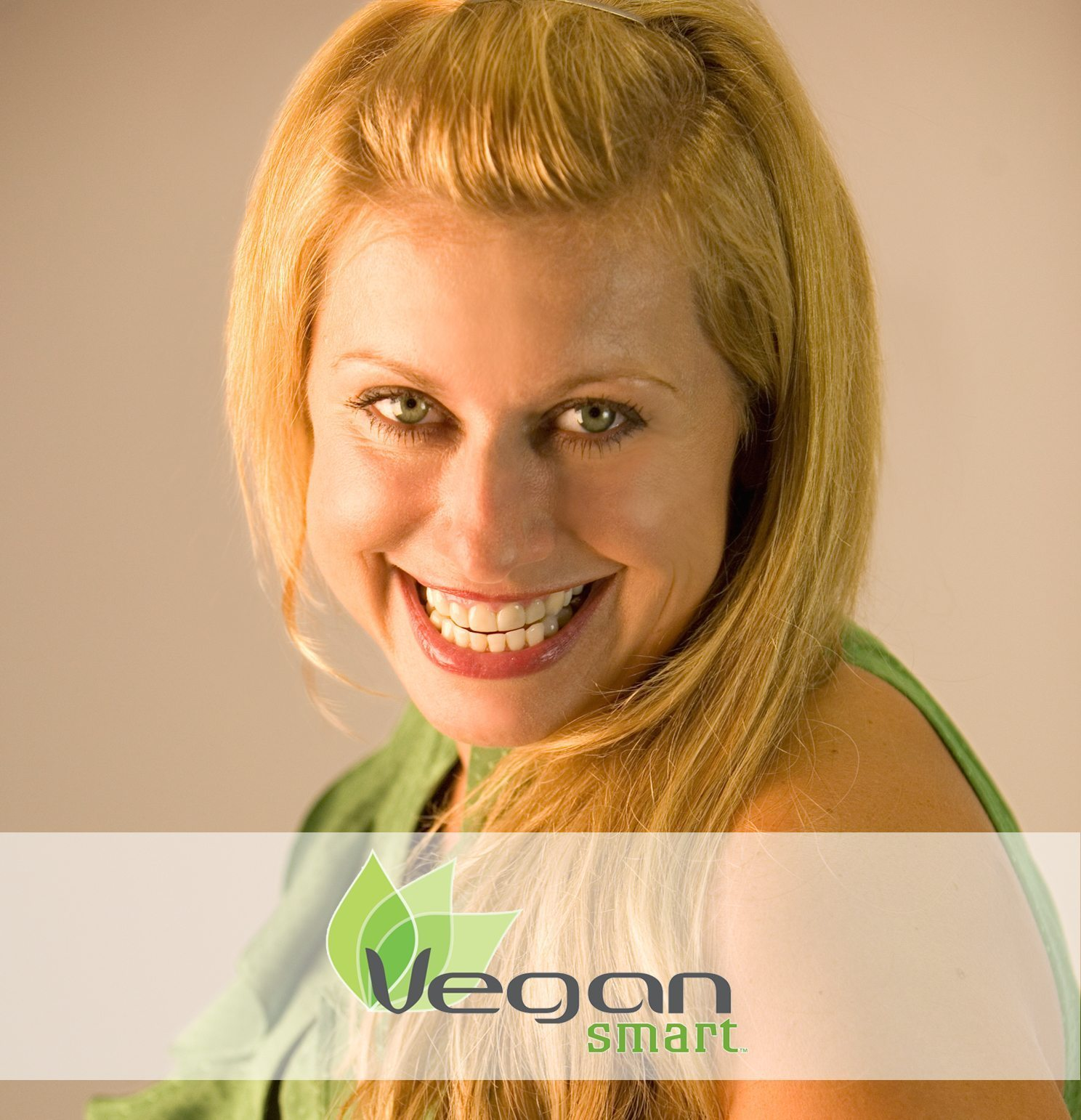 Laura Dellutri Dishes About the 21-Day VeganSmart Challenge